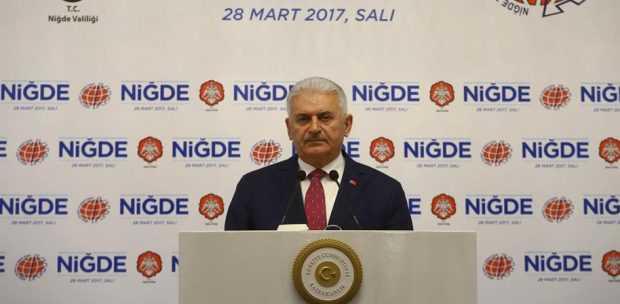 """""""YOLLARI BÖLERİZ AMA TÜRKİYE'Yİ BÖLDÜRTMEYİZ"""""""