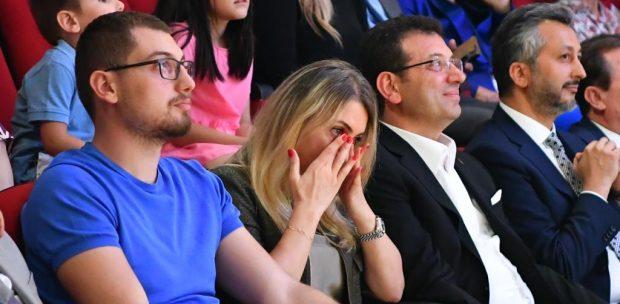 """EKREM İMAMOĞLU SEÇİM YARIŞINA """"MEZUNİYET MOLASI"""" VERDİ"""